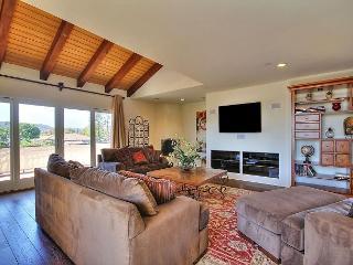 Charming 2BR/2BA Santa Barbara Penthouse Suite with Mountain Views - Santa Barbara vacation rentals