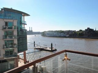 River Thames Luxury Apartment - London vacation rentals