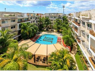 VERY BIG * MAMITAS BEACH AREA * GYM *JACUZZI * UP 10 PEOPLE * FREE INTERNET - Playa del Carmen vacation rentals