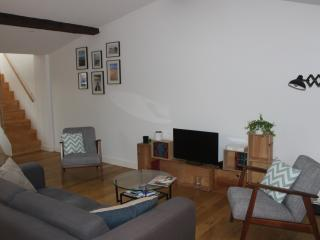 Apart 2 pers / Chartrons - Bordeaux vacation rentals