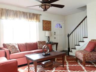 57Thirteen: 10% Off Weekly Rate (7days or more) +Free Parking/Wifi - Washington DC vacation rentals