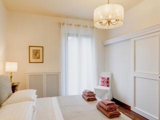 Mecenatesuite 69  stylish apartment in Villa - Arezzo vacation rentals