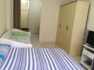 Apartamento  para 6 pessoas-  lado do Copac Palace - Rio de Janeiro vacation rentals