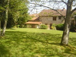 Sunny House with Housekeeping Included and Television - Cheronnac vacation rentals