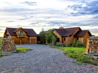 Private Luxury 4 Bd Home, 360 Mountain Views, Wood - Belt vacation rentals