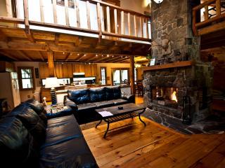Gorgeous Pocono Log Cabin on 10 Acres--Hot Tub!! - Dingmans Ferry vacation rentals