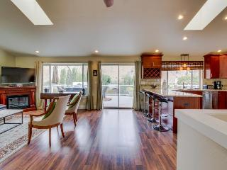 Spacious home w/shared pool & dock on Columbia River! - Orondo vacation rentals