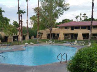 Quiet and peaceful Gated one bedroom condo - North Palm Springs vacation rentals