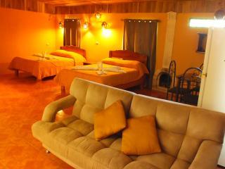 Cozy 3 bedroom Santa Elena Private room with Internet Access - Santa Elena vacation rentals