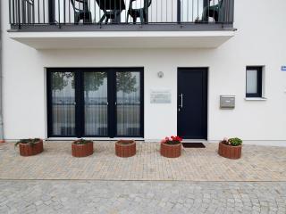 """Ferienwohnung """"Seeufer"""" (EG, Marina Mücheln) - Saxony-Anhalt vacation rentals"""