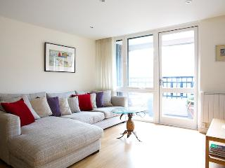 Edith Terrace (pro-managed by IVY LETTINGS) - London vacation rentals