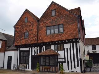 Stunning Medieval Timber framed House, Grade II* - Edenbridge vacation rentals