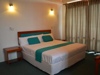 West Inn Colombo / Budget Inn - Colombo vacation rentals