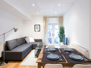 The Greyhound Fulham Lodge I - London vacation rentals