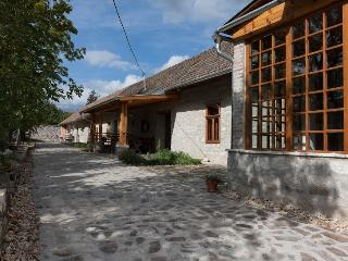 Karádi-Berger apartment in the winery - Erdobenye vacation rentals