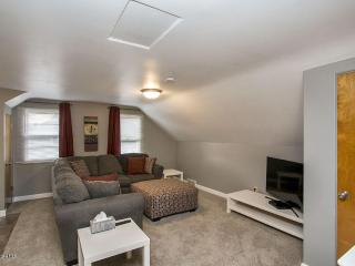 Remodeled Modern 1BR Apt Near Downtown - Rochester vacation rentals