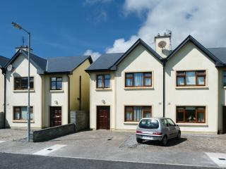 3 bedroom Cottage with Parking Space in Ennistymon - Ennistymon vacation rentals