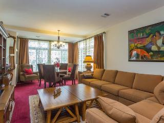 Single Room Close to JFK - Queens vacation rentals