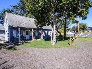 Charming bayfront & dog-friendly house with private hot tub, beach access! - Waldport vacation rentals
