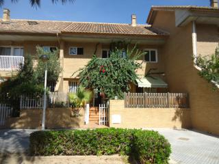 Beachside townhouse 15 minutes from downtown - Alboraya vacation rentals