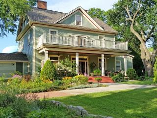 Mileybright Farmhouse 2 bedroom suite - Decatur vacation rentals