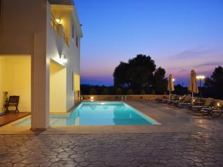 A Unique Villa for unique guests! - Stavromenos vacation rentals
