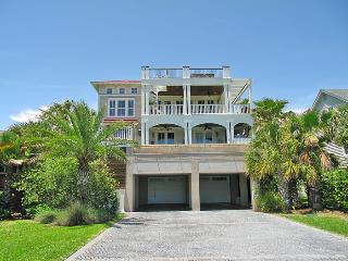 Fall Discounts!! Great Ocean Views, Pool,elevator - Isle of Palms vacation rentals