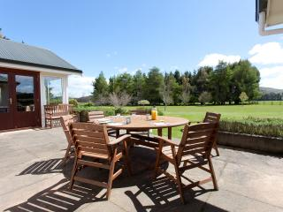 Perfect 4 bedroom Te Anau House with Housekeeping Included - Te Anau vacation rentals