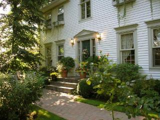 1 bedroom Bed and Breakfast with Internet Access in Halifax - Halifax vacation rentals