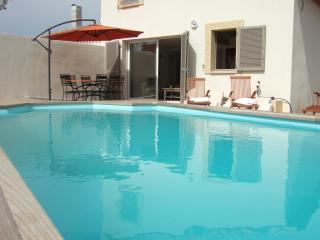 Villa Tamaris two bedroomed Villa / Private pool. - Durban-Corbieres vacation rentals