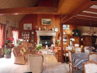 1 bedroom House with Internet Access in Dol-de-Bretagne - Dol-de-Bretagne vacation rentals