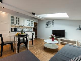 HomeAbroad - K12 - Modern, cosy and well-designed - Krakow vacation rentals