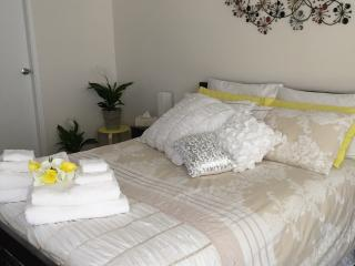 Relaxed Light filled spaces room - Bowral vacation rentals