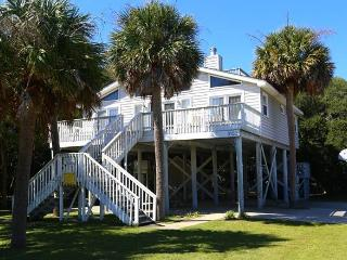 "701 Palmetto Blvd - ""Palmetto Place "" - Edisto Beach vacation rentals"