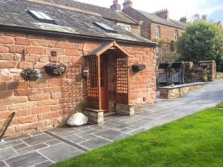 DUFTON HALL COTTAGE, pet friendly, country holiday cottage, with a garden in Dufton, Ref 3965 - Cumbria vacation rentals