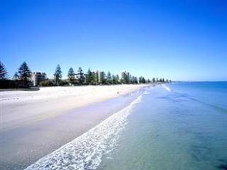 2 bedroom , 2 bathroom , beach and park view - Glenelg vacation rentals
