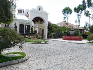 Lovely House with Internet Access and Satellite Or Cable TV - Antigua Guatemala vacation rentals
