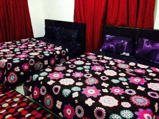 Comfortable 2 bedroom Guest house in Pantai Cenang - Pantai Cenang vacation rentals