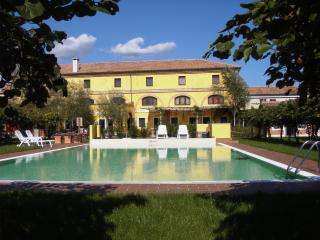 Agriturismo Tenuta La Pila with rooms and pool! - Verona vacation rentals