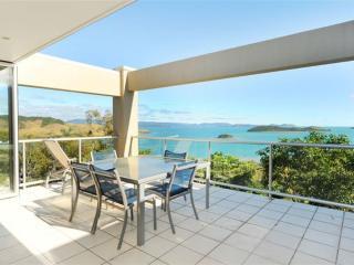 3 bedroom Apartment with A/C in Hamilton Island - Hamilton Island vacation rentals