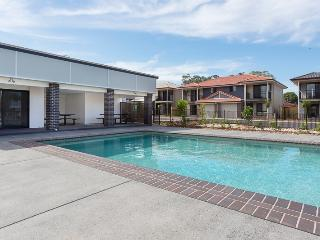Brisbane Luxury unit  Queen or single room - Brisbane vacation rentals