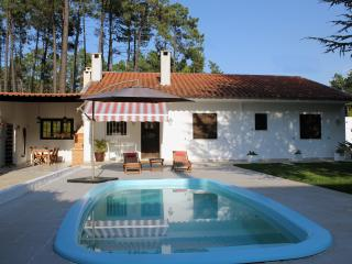 Golf & Beach, Aroeira, Villa for 4 - Verdizela vacation rentals