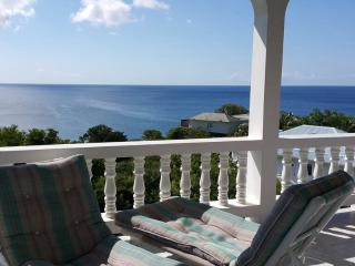 Comfortable Villa with A/C and Satellite Or Cable TV in Lower Bay - Lower Bay vacation rentals