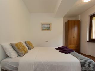 Stresa 3 bedroom apartment (sleeps 6) - Belgirate vacation rentals