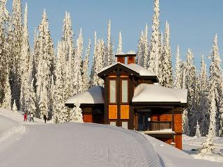 Parkers Den Feather Top Location Sleeps 10 - Big White vacation rentals