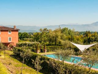 La Flora, Sleeps 12 - Lucca vacation rentals