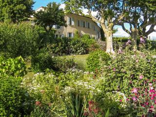 Bright 5 bedroom Vacation Rental in Loriol-du-Comtat - Loriol-du-Comtat vacation rentals