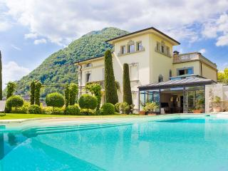 Lovely 6 bedroom Muronico Villa with Internet Access - Muronico vacation rentals