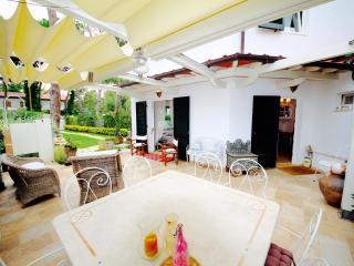 NOVA 4BR-garden&pool by KlabHouse-FORTE DEI MARMI - Forte Dei Marmi vacation rentals
