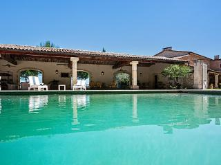 Chateau Edem, Sleeps 12 - Luberon vacation rentals
